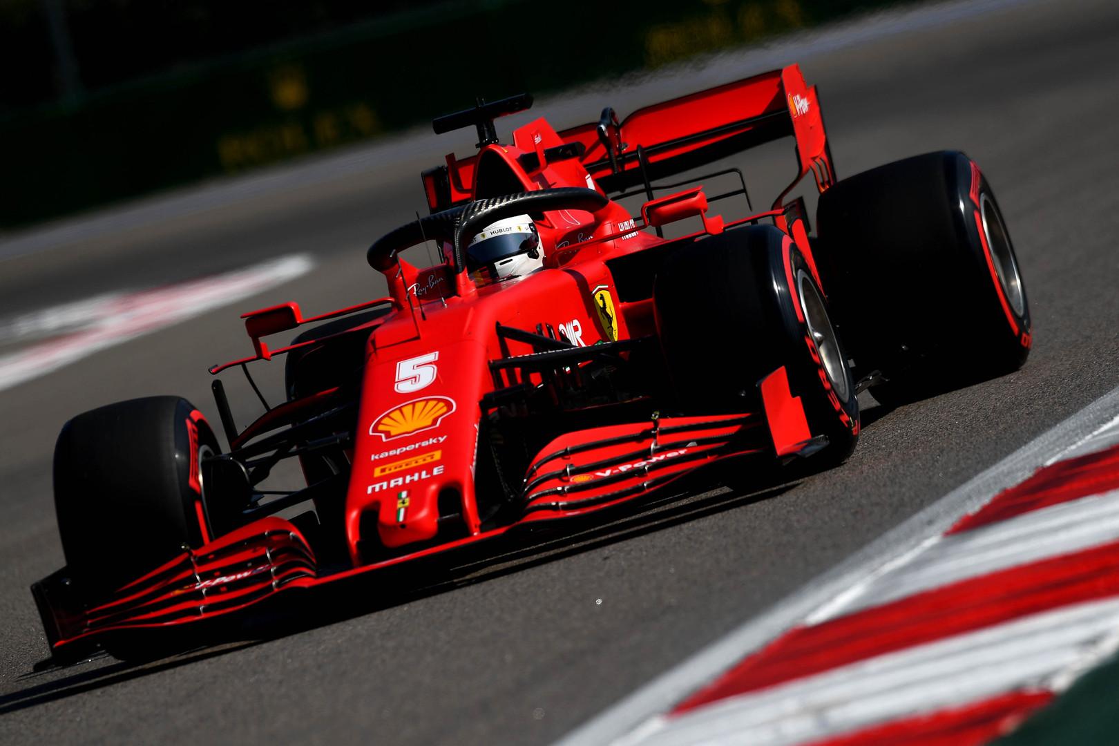 T. Wolffas galvojo kviestis S. Vettelį
