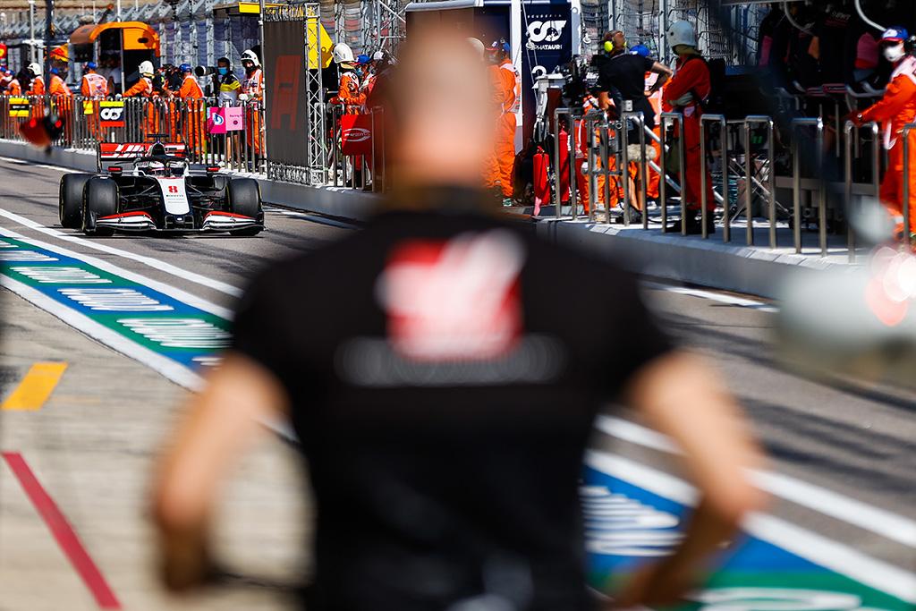 """""""Haas"""" po sezono atsisveikins su abiem pilotais"""
