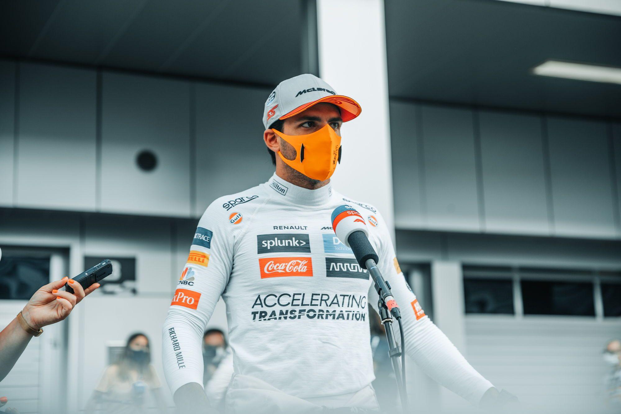 C. Sainzas: 90% lenktynininkų nenugalėtų L. Hamiltono sėdėdami W11