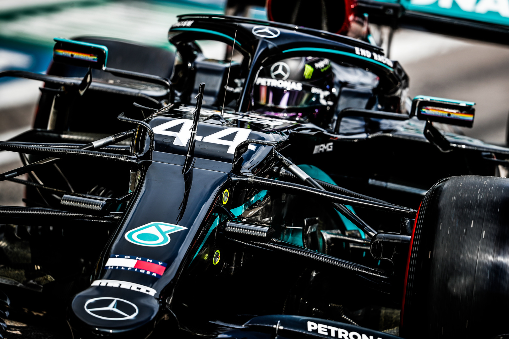 M. Verstappenas ir S. Vettelis: teisėjams nereikėjo skirti baudos taškų L. Hamiltonui
