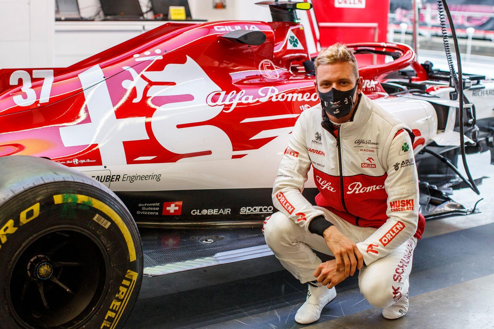 M. Schumacheris: nežinau kada vėl galėsiu išbandyti F-1 bolidą