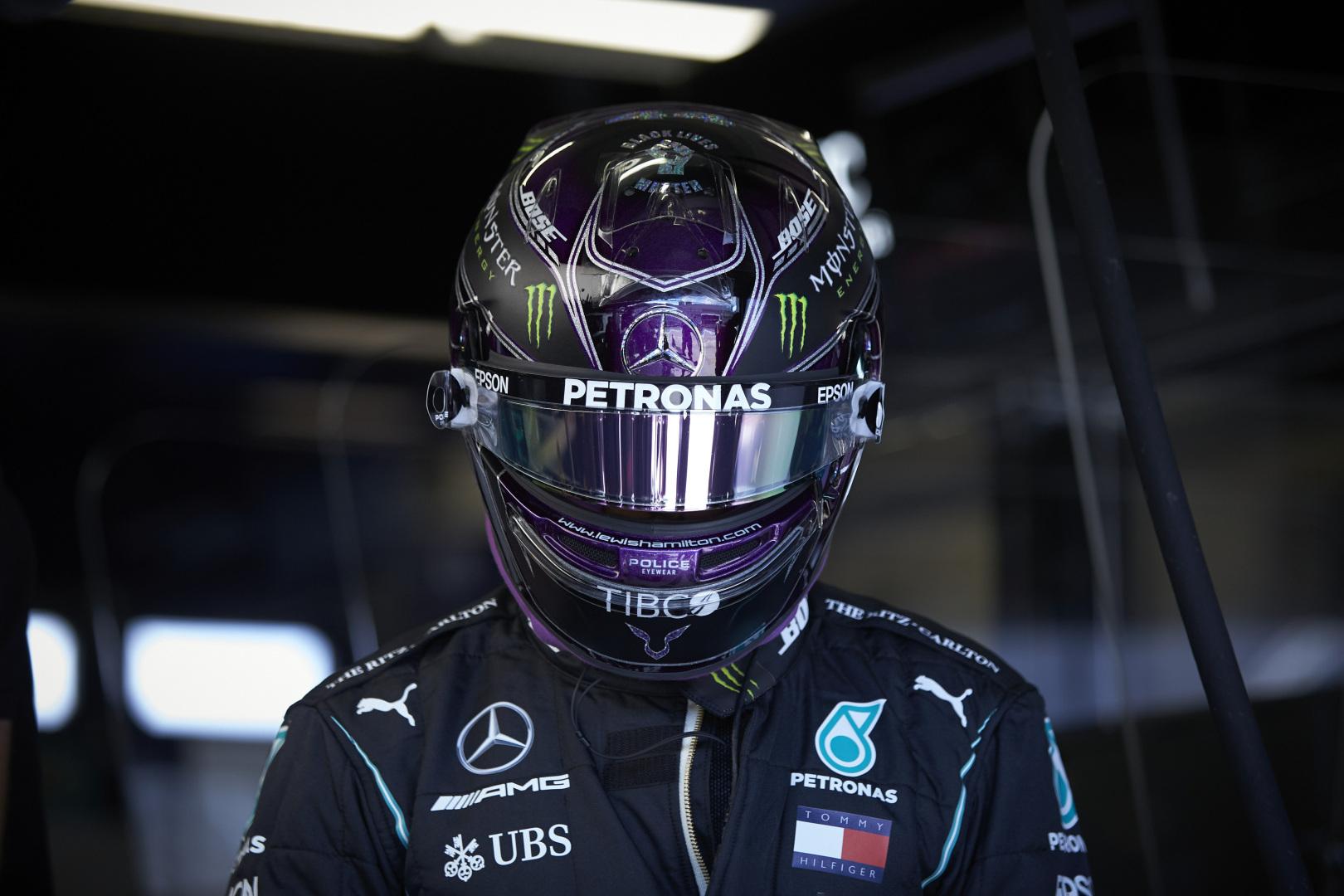 "L. Hamiltonas: sutartis su ""Mercedes"" nėra prioritetas"
