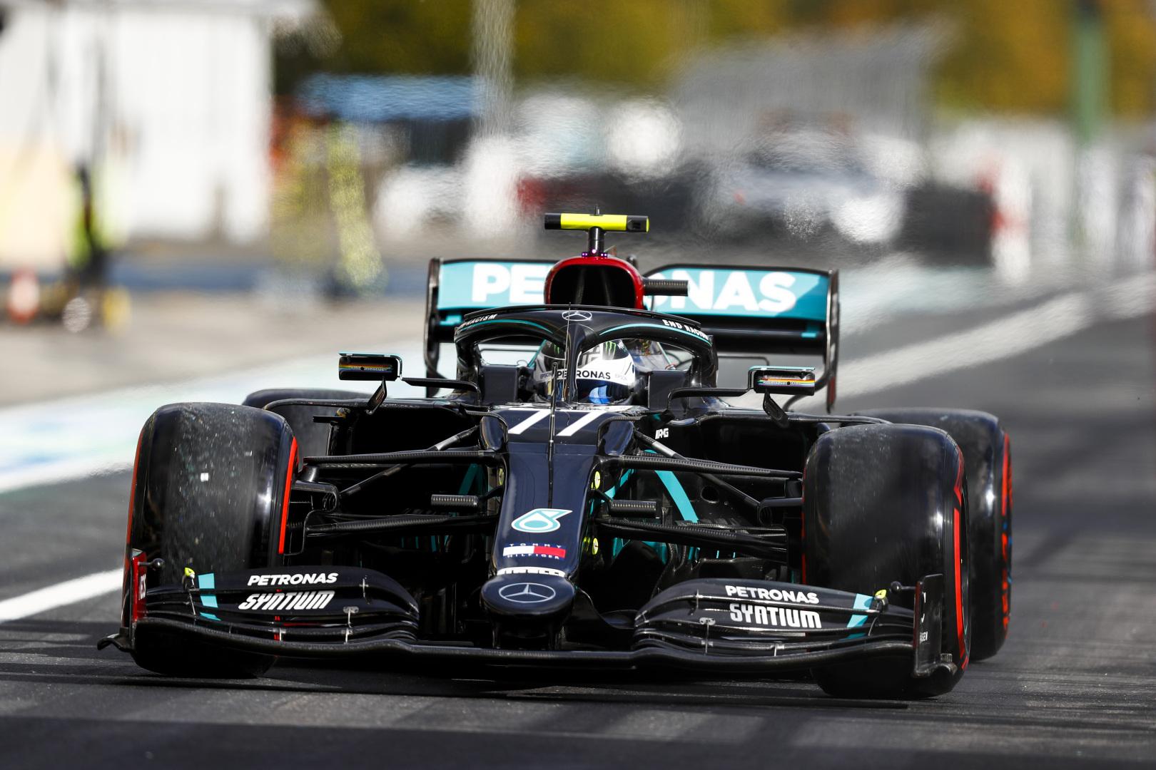 """""""Mercedes"""" baiminasi, jog V. Bottui gali būti skirta starto pozicijų bauda"""