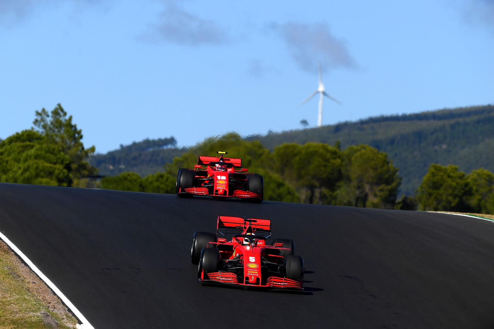 S. Vettelis: manau, kad aš ir C. Leclercas pilotuojame vienodus bolidus
