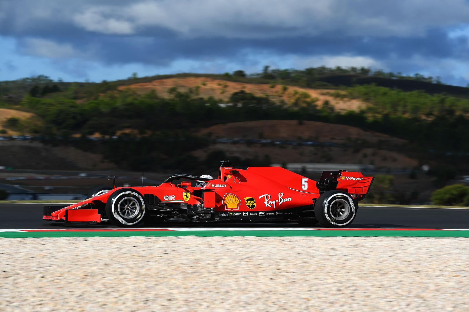 """M. Binotto patikino, kad abu """"Ferrari"""" pilotai turi vienodas sąlygas"""