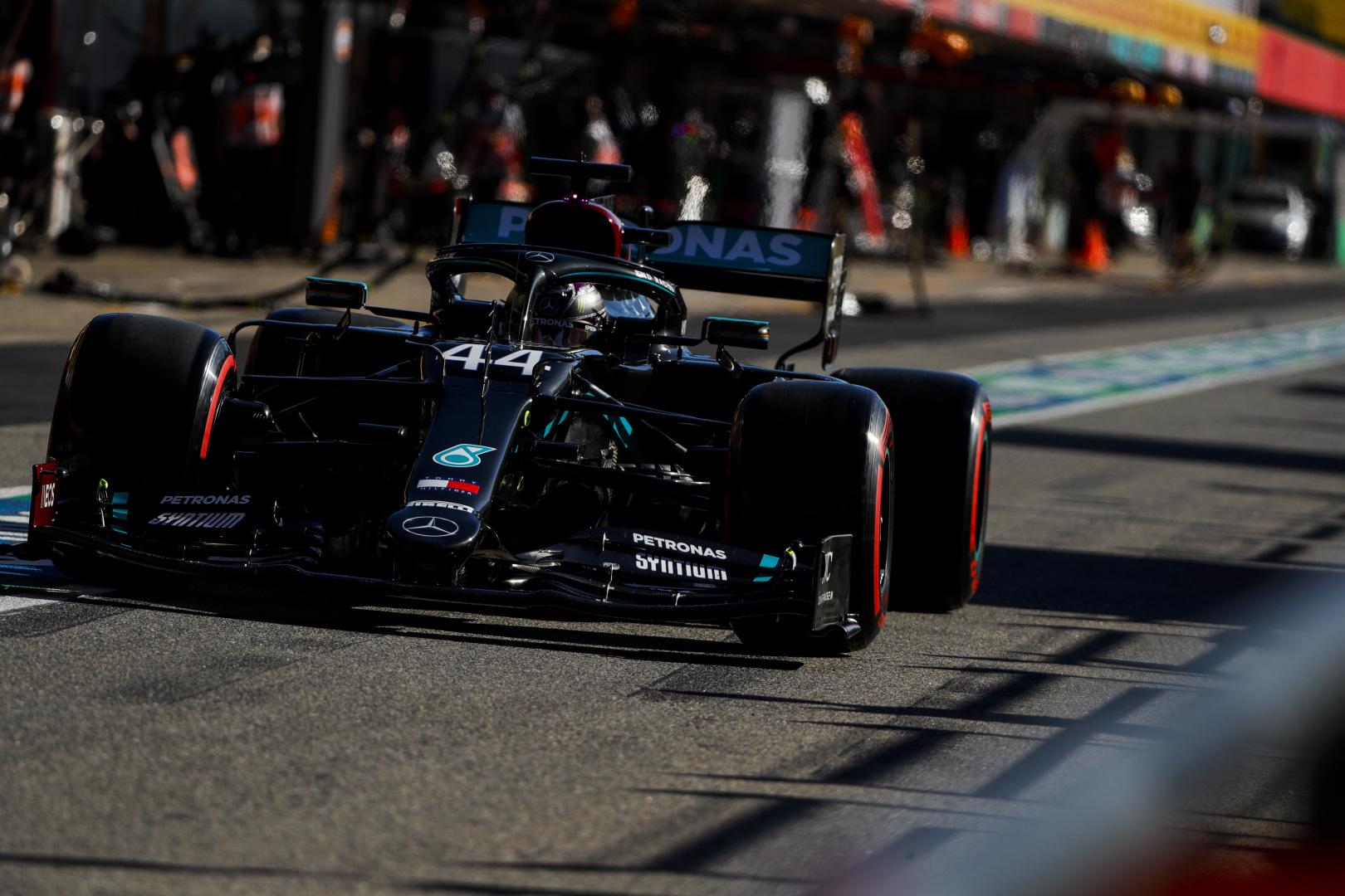 """Portugalijoje lenktynes iš """"pole"""" pozicijos pradės L. Hamiltonas"""