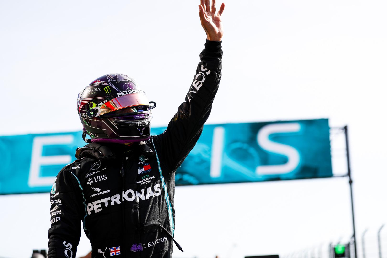 Portugalijoje dominavęs L. Hamiltonas pagerino M. Schumacherio rekordą