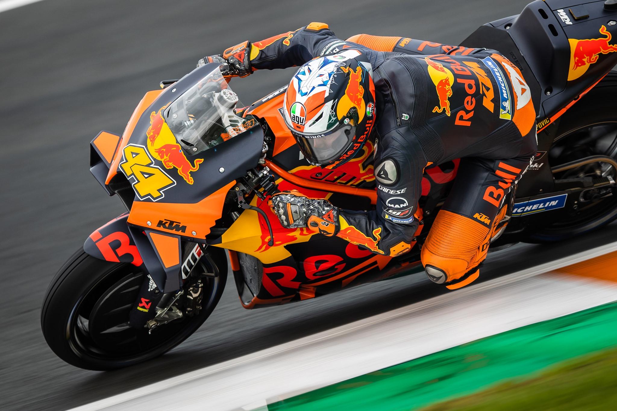 """MotoGP. Valensijoje - antroji P. Espargaro ir KTM """"pole"""""""