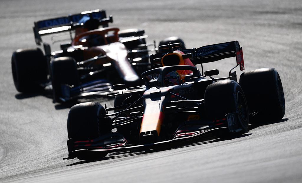 """M. Verstappenas: naujos taisyklės sukurtos ne tam, kad sustabdyti """"Mercedes"""""""