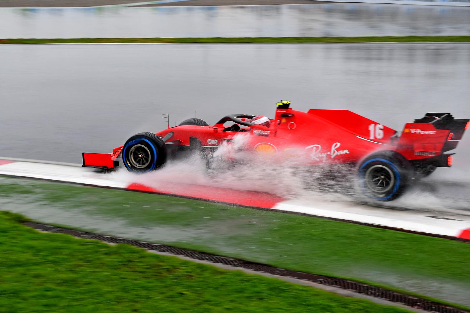 R. Brawnas: Turkijoje M. Verstappenui ir C. Leclercui koją pakišo patirties stoka