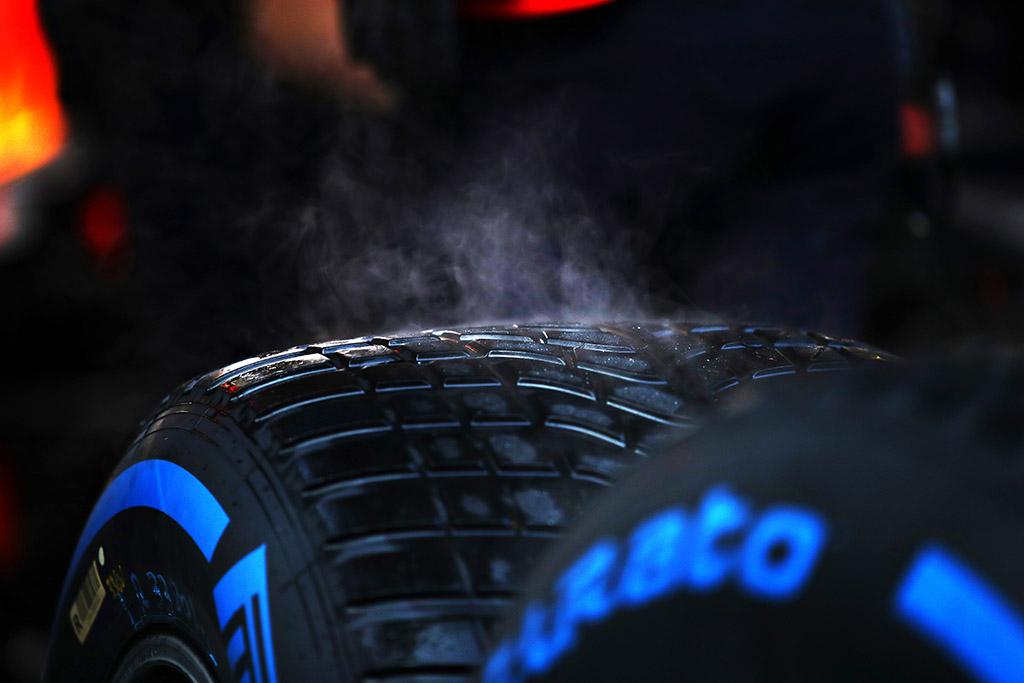 """""""Pirelli"""" neįsivaizduoja, kiek bus sustojimų lenktynėse Turkijoje"""