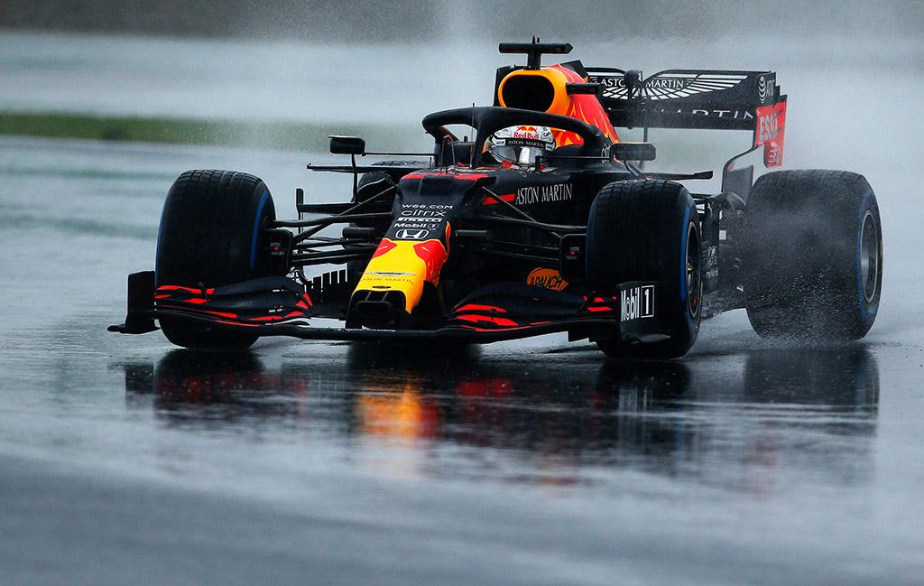 M. Verstappenas: noriu kuo greičiau pamiršti šias lenktynes