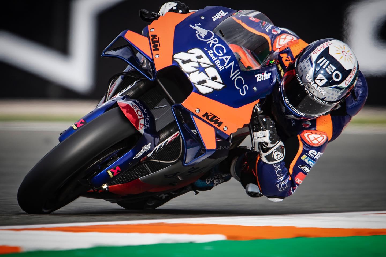 MotoGP. Paskutinėje sezono kvalifikacijoje greičiausias M. Oliveira
