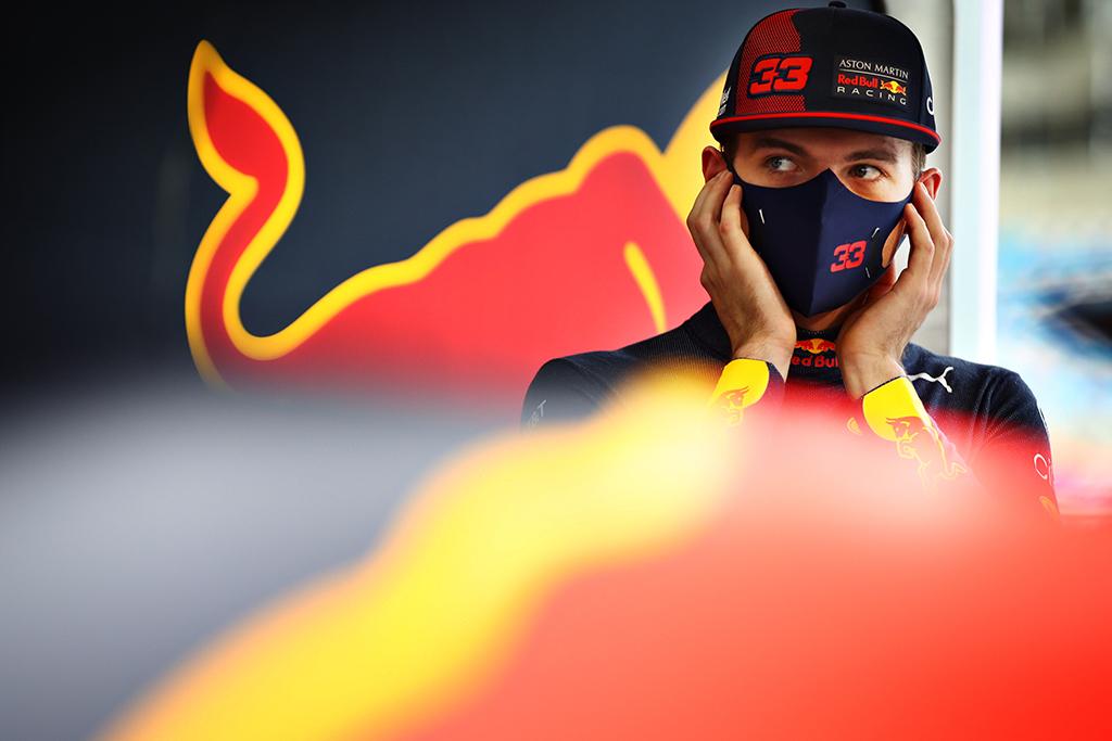 """M. Verstappenas: stengiausi būti kaip įmanoma arčiau """"Mercedes"""""""