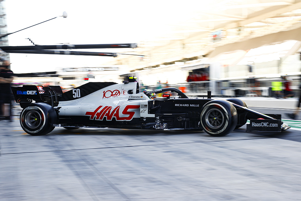 "Daugiau ""Ferrari"" personalo persikels į ""Haas"" komandą"
