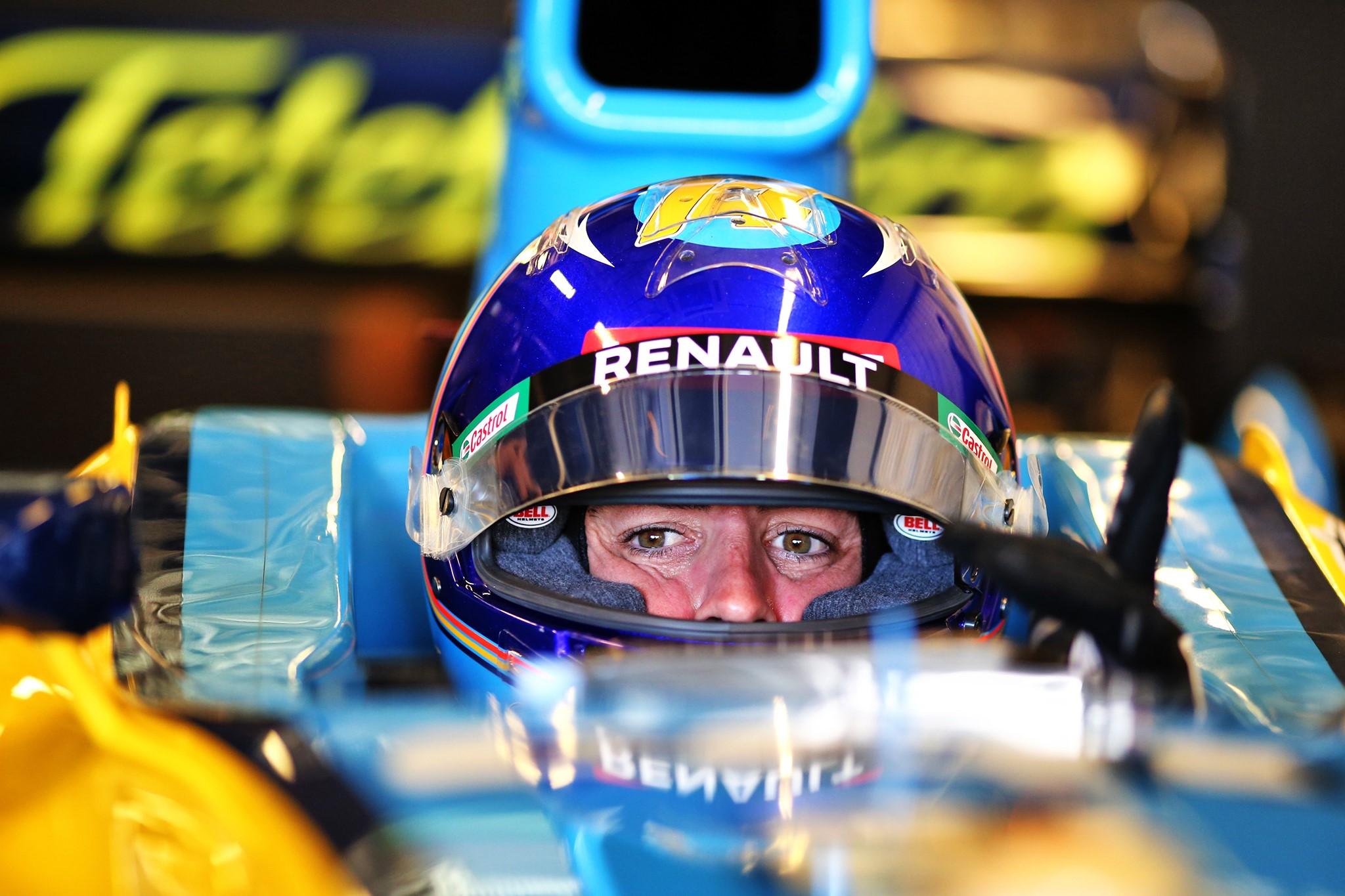 F. Alonso: svajoju užlipti ant podiumo kartu su C. Sainzu