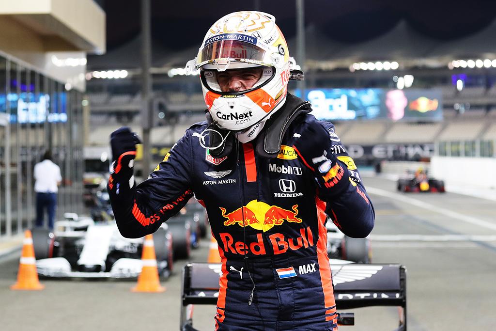 Finalinėse sezono lenktynėse - lengva M. Verstappeno pergalė