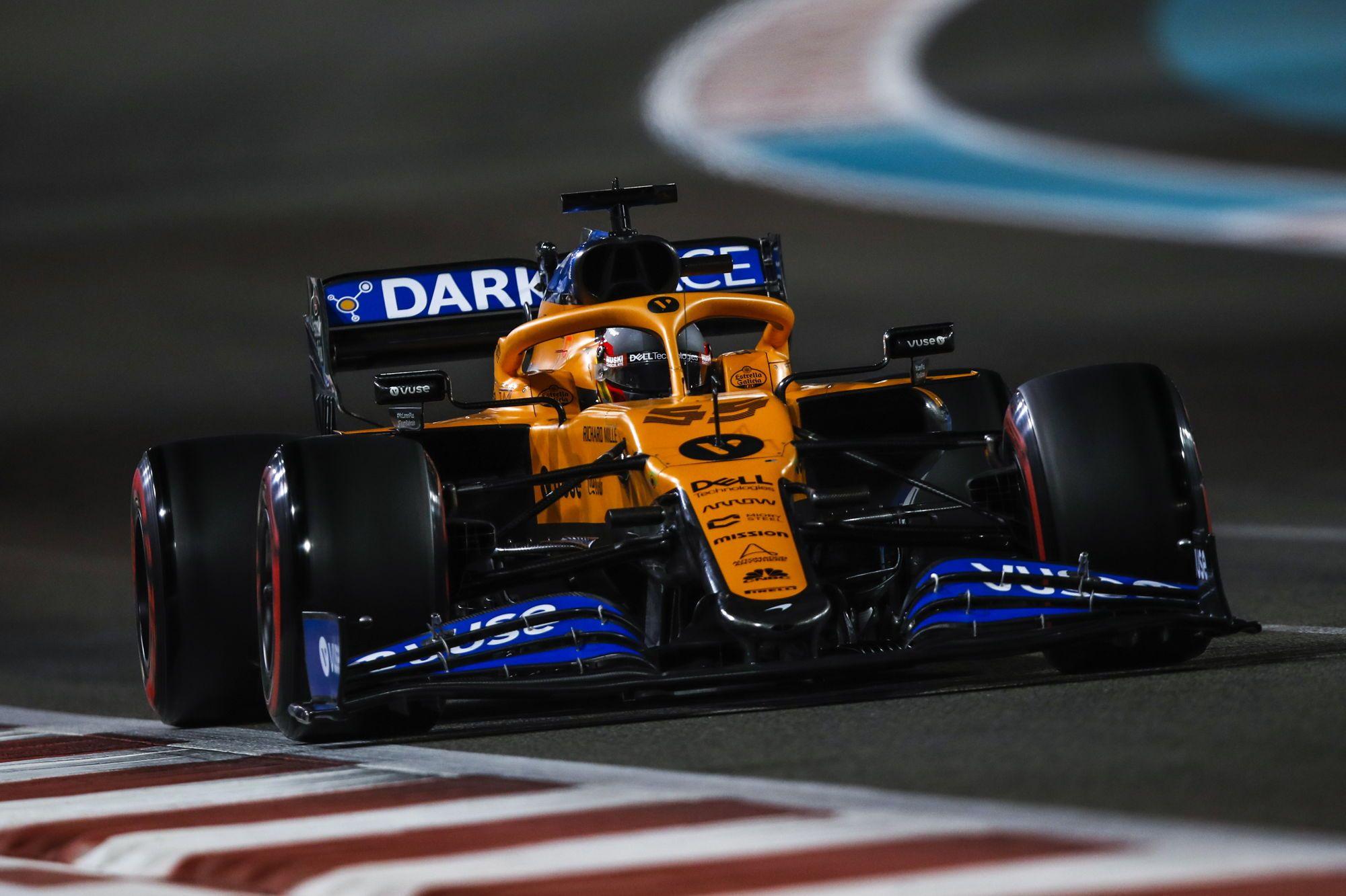 """Teisėjai nenubaudė C. Sainzo, """"McLaren"""" išsaugojo trečią vietą"""