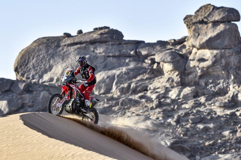 Dakaras. Tarp motociklininkų greičiausias J. Barreda, o A. Gelažninkas savo klasėje pirmas