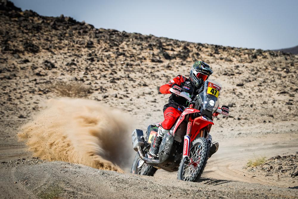 Dakaras. J. I. Cornejo pasitraukė iš lenktynių, K. Benavidesas – naujasis motociklų įskaitos lyderis