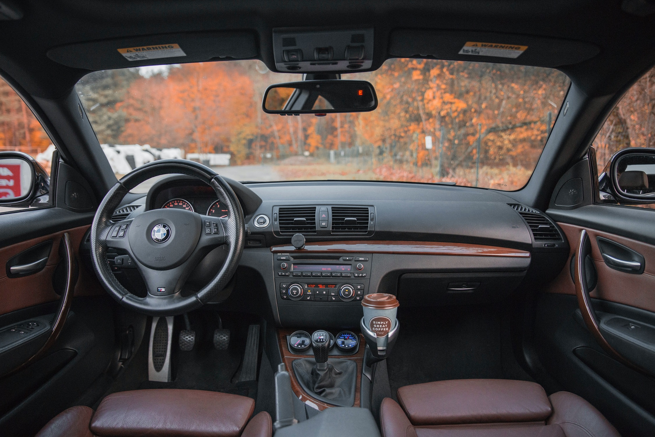 Smukusi naudotų automobilių rinka Lietuvoje: kokie modeliai dažniausiai keitė savininkus?