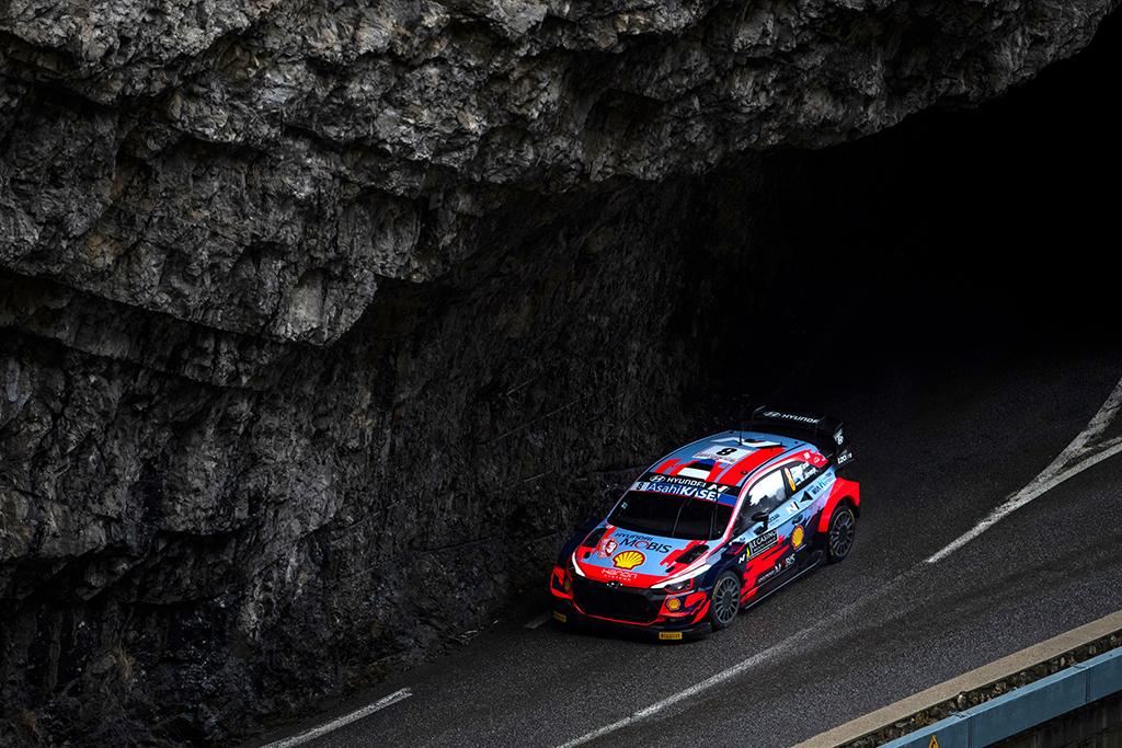 WRC. Monte Karlo ralyje greičiausias O. Tanakas, T. Suninenas patyrė avariją