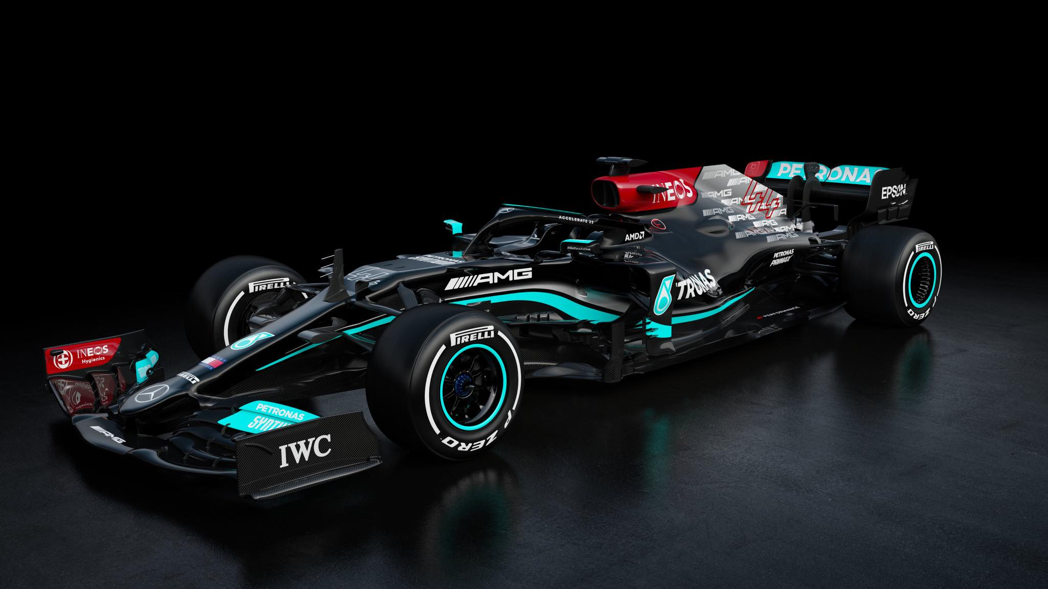 "Pristatytas naujasis ""Mercedes"" bolidas"