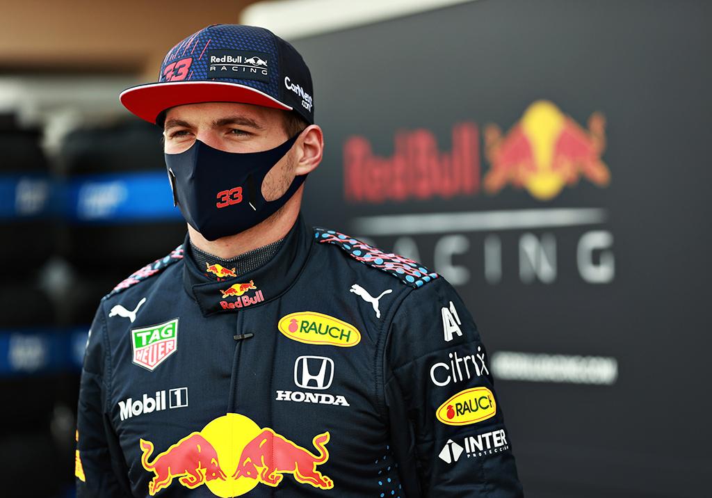 """M. Verstappenas apie """"Red Bull"""" komandai klijuojamą favoritės etiketę: tokios kalbos yra nereikšmingos"""