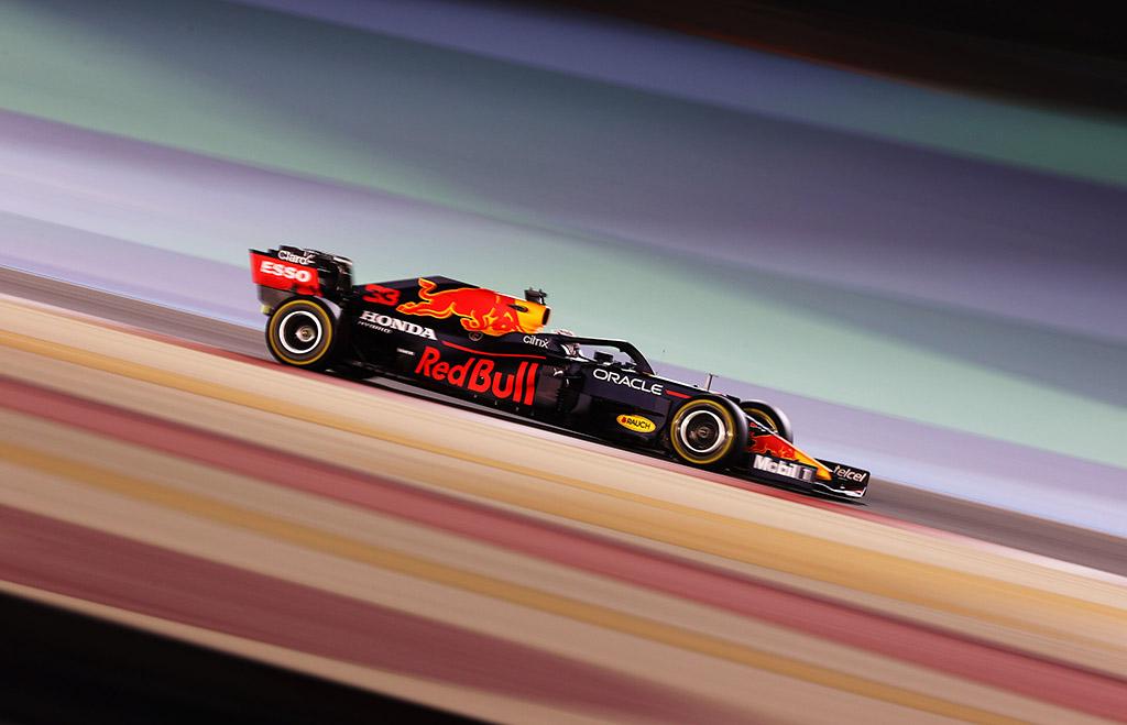 """""""Red Bull"""" teko mažinti M. Verstappeno jėgainės galią"""