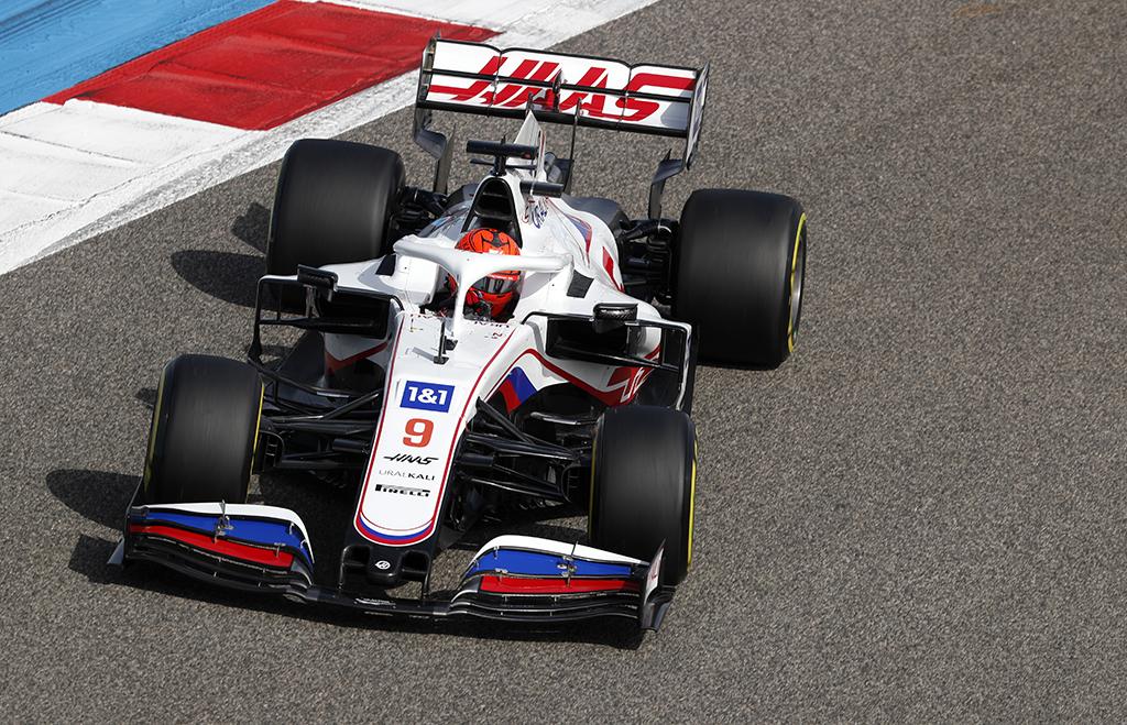 """M. Sureris: M. Schumacheris ir N. Mazepinas šiemet turės daug problemų su """"Haas"""" bolidu"""