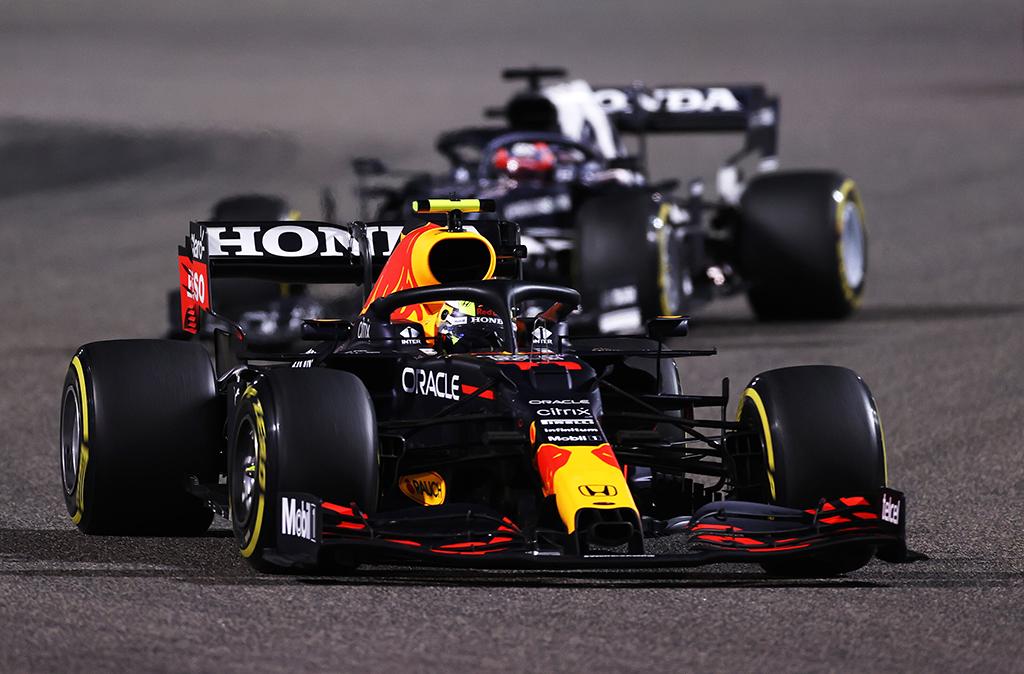 """""""Red Bull"""" neigia gandus apie nelegalią pakabą"""