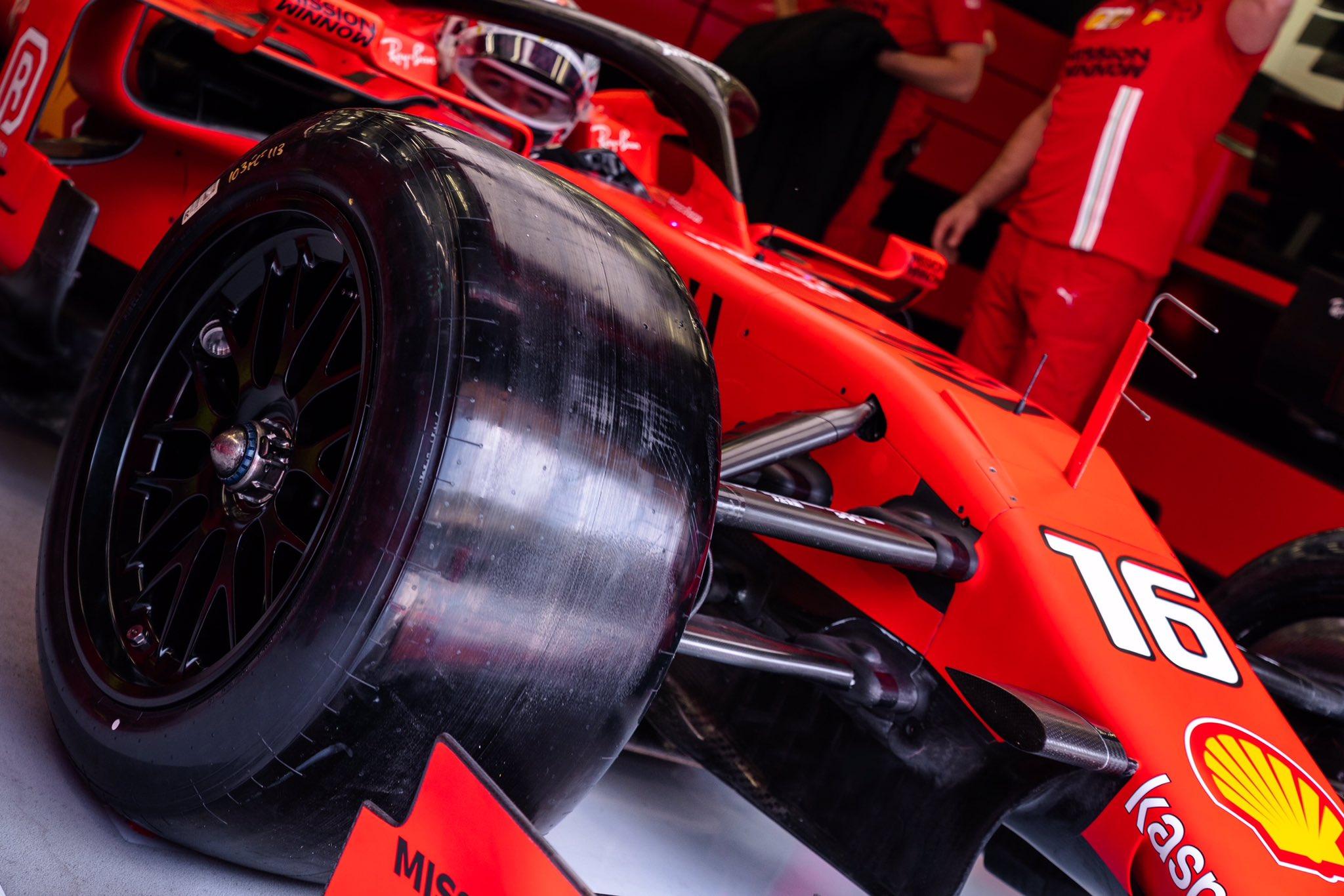 """""""Formulė-1"""" gali pereiti prie visų varančiųjų ratų sistemos"""