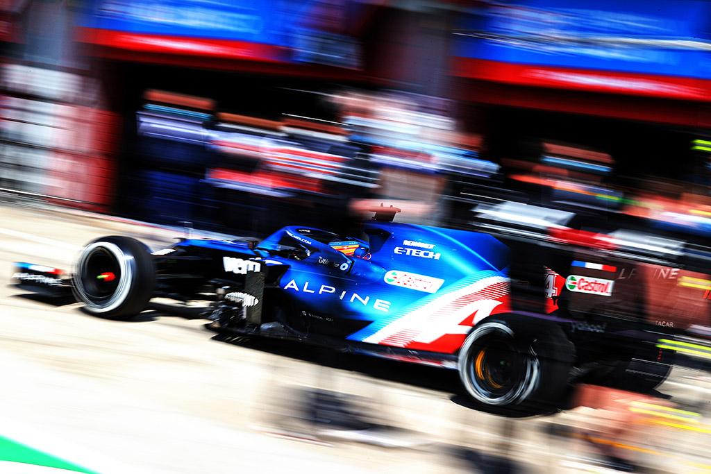 F. Alonso: pernai žiūrėjau lenktynes vien dėl M. Verstappeno