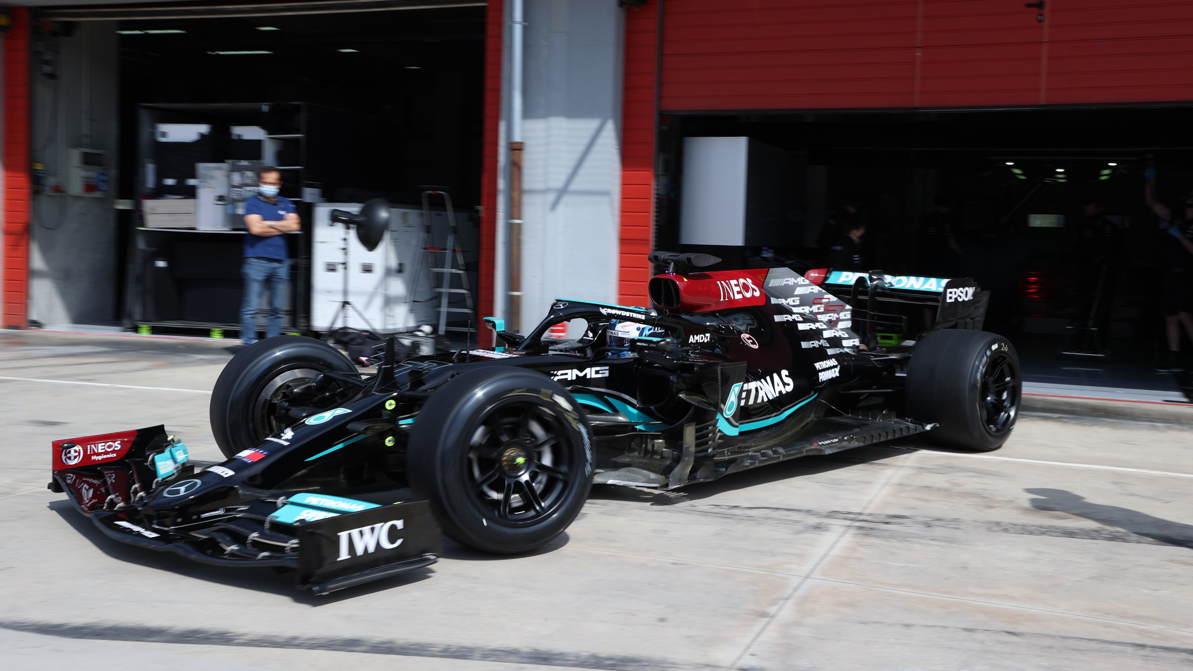 """""""Mercedes"""" užbaigė """"Pirelli"""" padangų bandymus Imoloje"""