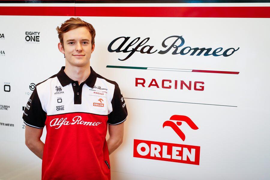 """""""Alfa Romeo"""" pristatė antrąjį pilotą bandytoją"""
