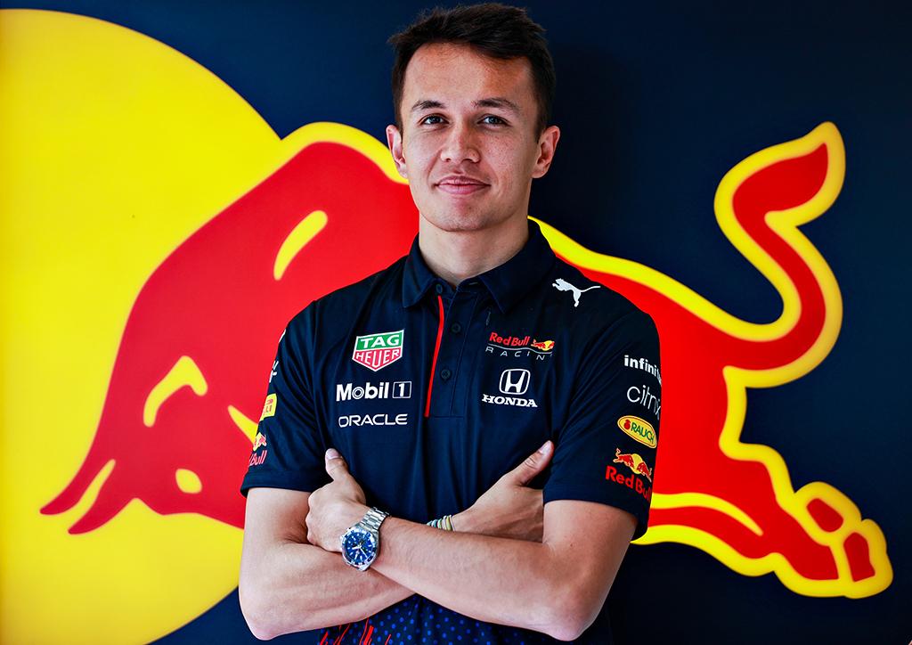 """S. Perezas pažymėjo A. Albono svarbą """"Red Bull"""" komandai"""