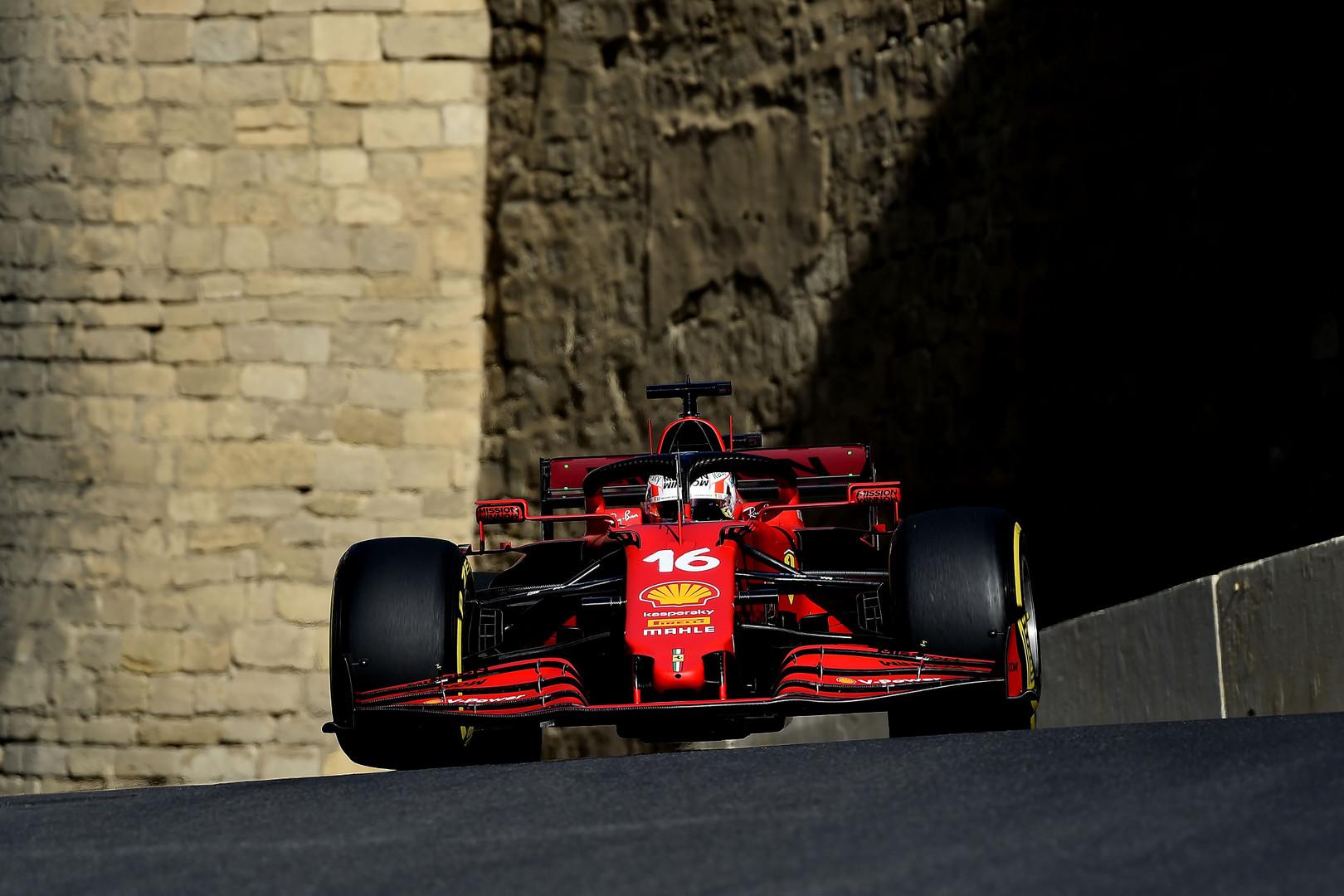 """Antroje kvalifikacijoje iš eilės """"pole"""" poziciją iškovojo C. Leclercas"""