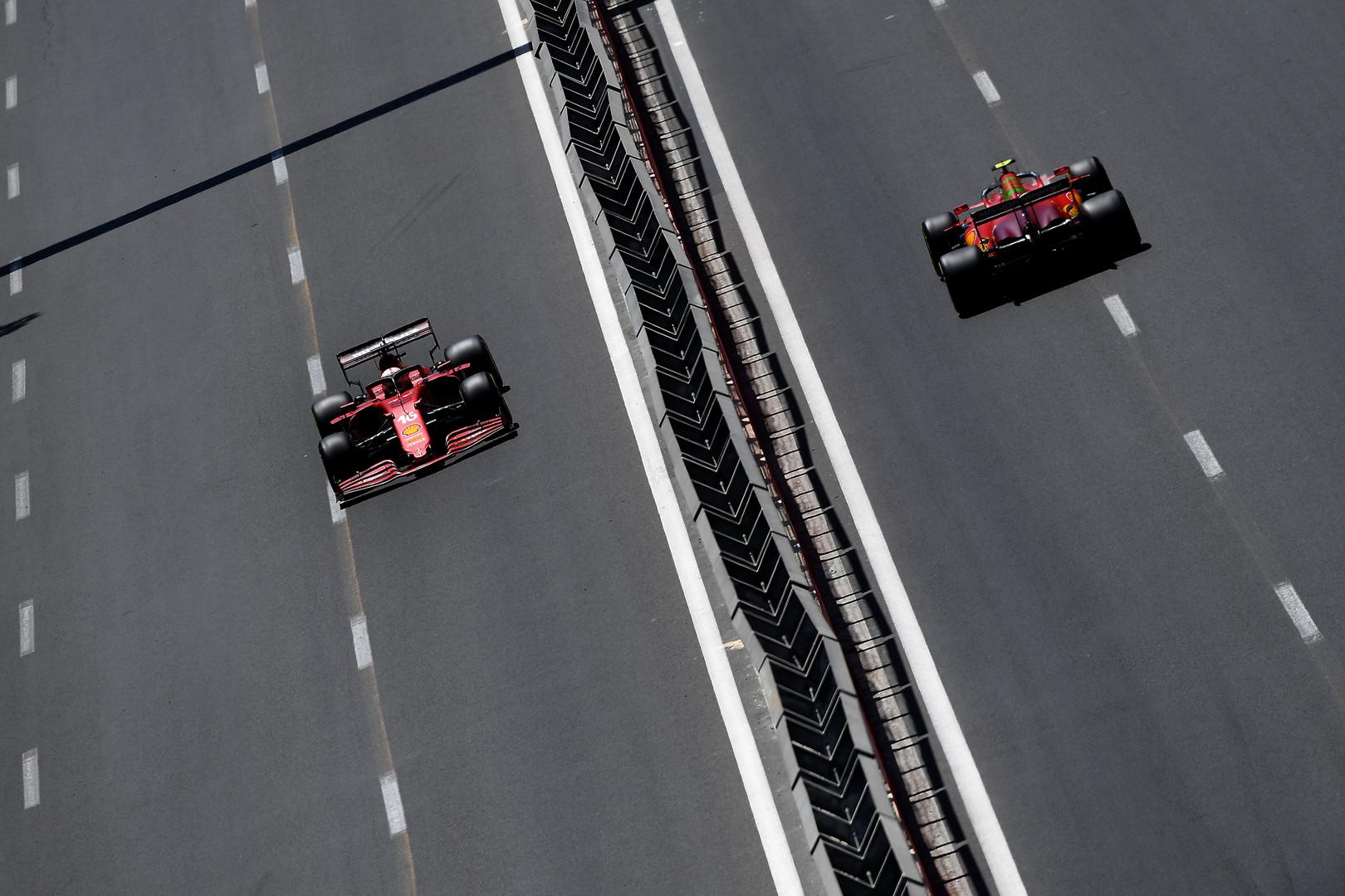 """C. Leclercas: mums reikia išsiaiškinti, kodėl """"Aston Martin"""" buvo stiprūs Baku trasoje"""