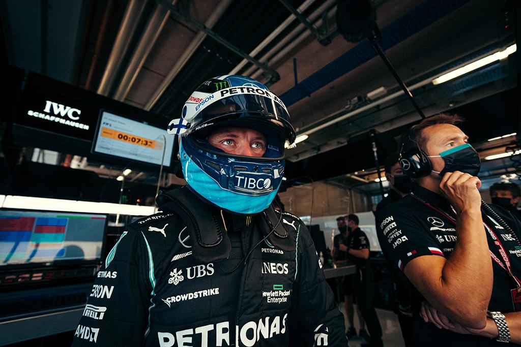 "V. Bottas: rytoj turime pergudrauti ""Red Bull"" strategiškai"