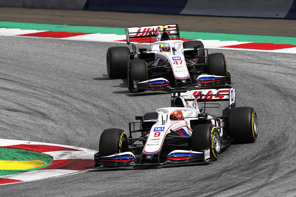"""Oficialu: M. Schumacheris ir N. Mazepinas tęs pasirodymą """"Haas"""""""