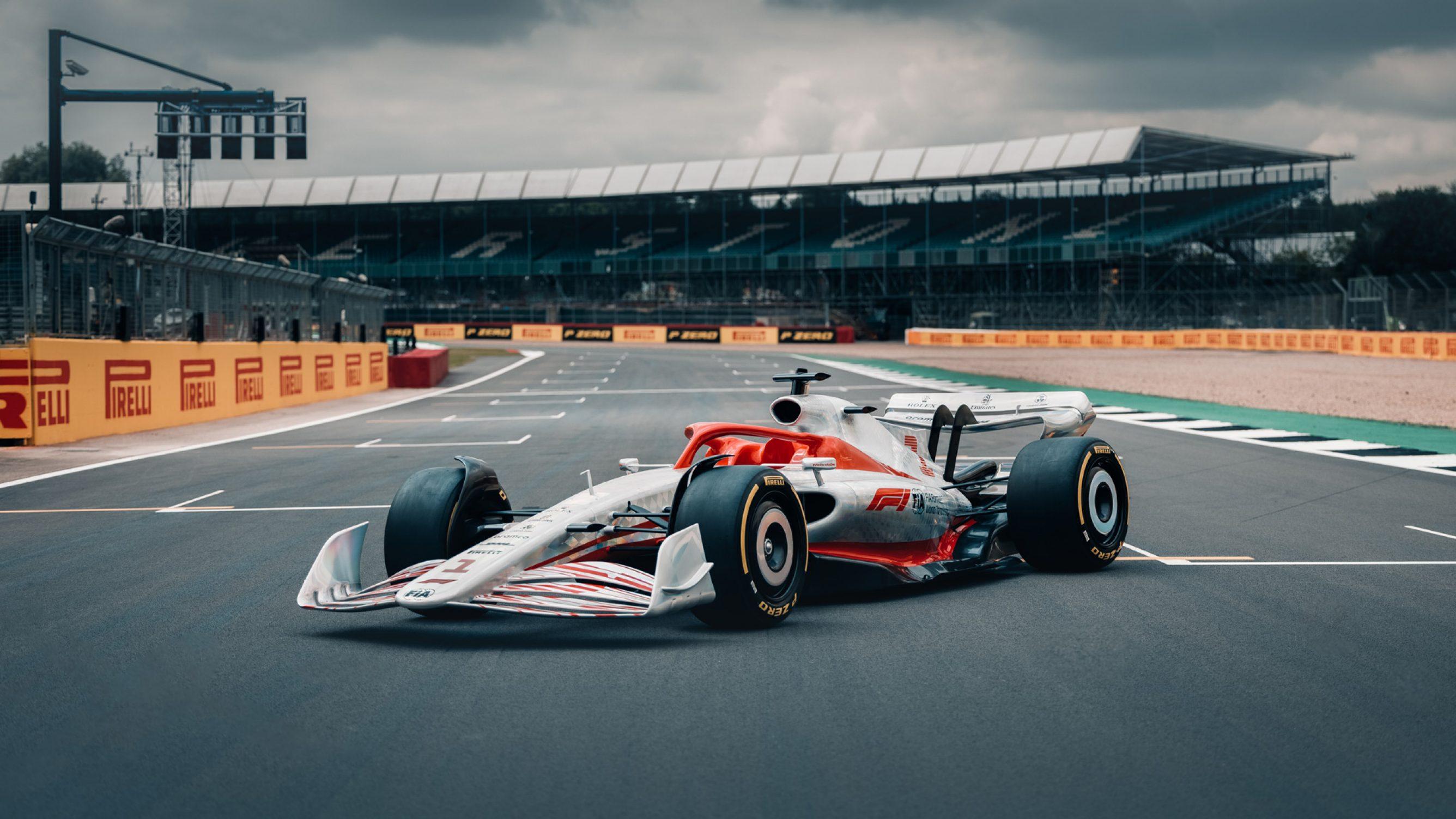 F-1 oficialiai pristatė 2022 m. bolidą