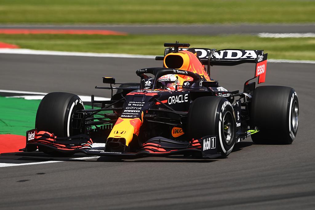 Pirmą kartą surengtoje sprinto kvalifikacijoje triumfavo M. Verstappenas