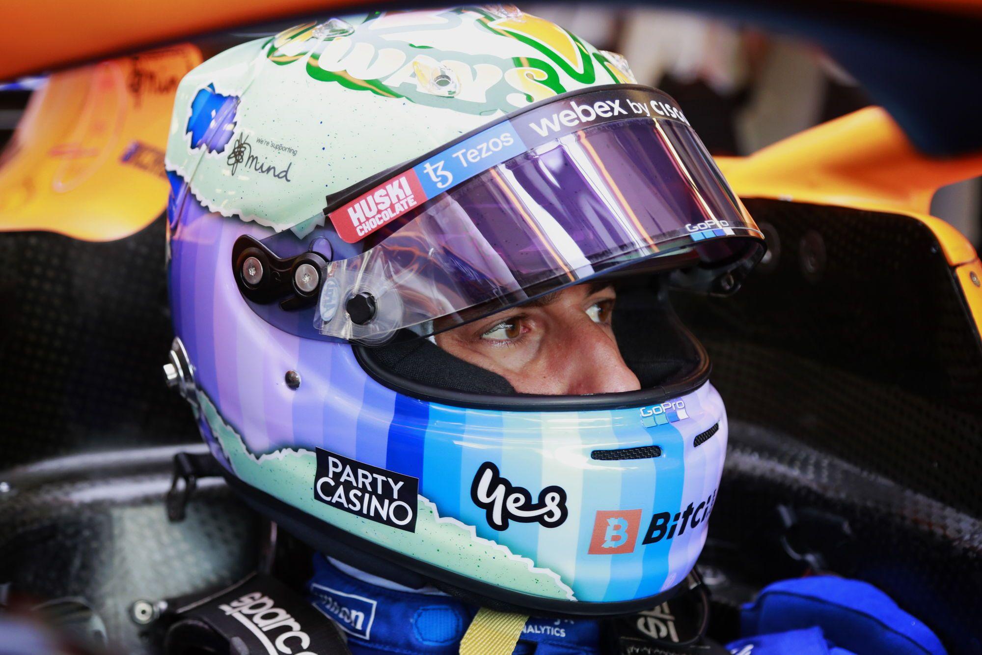 """D. Ricciardo: """"McLaren"""" sukonstruotą """"sudėtingą žvėrį"""" perprasti sunku"""