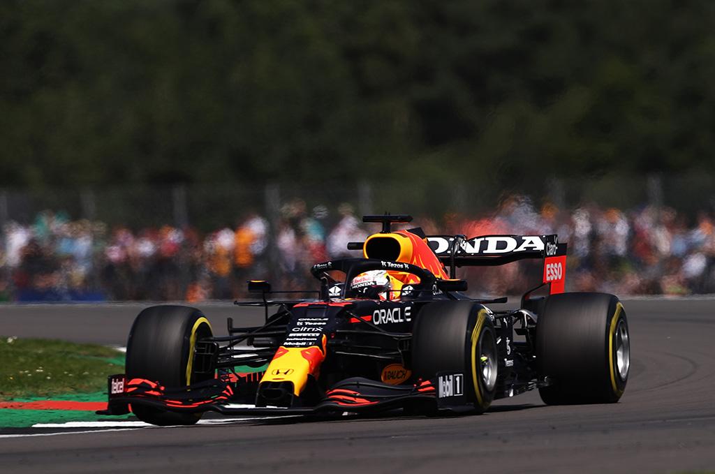 """M. Verstappeno avarija """"Red Bull"""" komandai kainavo 1,8 mln. dolerių"""