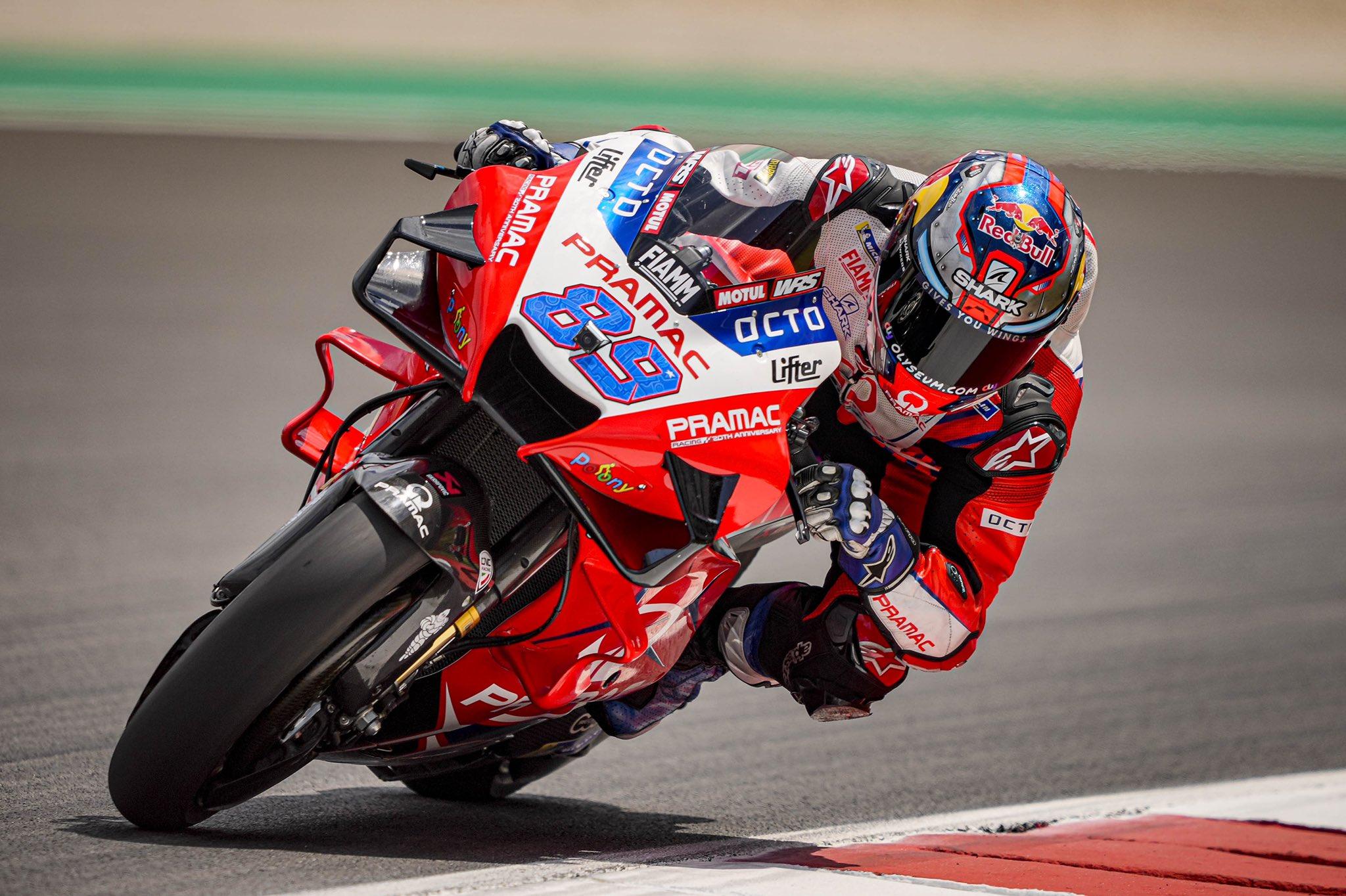 """MotoGP. Austrijoje antrąją """"pole"""" poziciją iškovojo J. Martinas"""