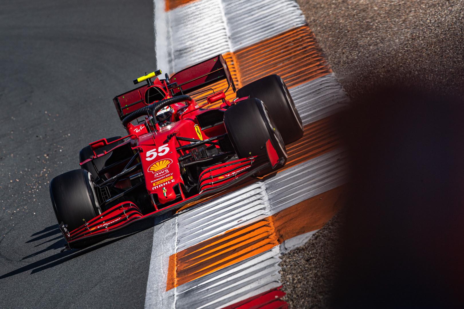 "M. Binotto: ""Ferrari"" variklis nusileidžia ""Mercedes"" 20 AG"