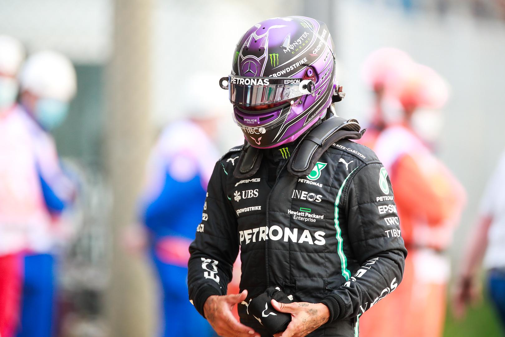L. Hamiltonas prognozuoja lengvą M. Verstappeno pergalę