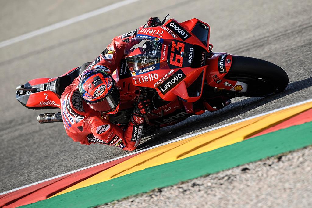 MotoGP. F. Bagnaios ir M. Marquezo dvikova Aragone baigėsi italo pergale