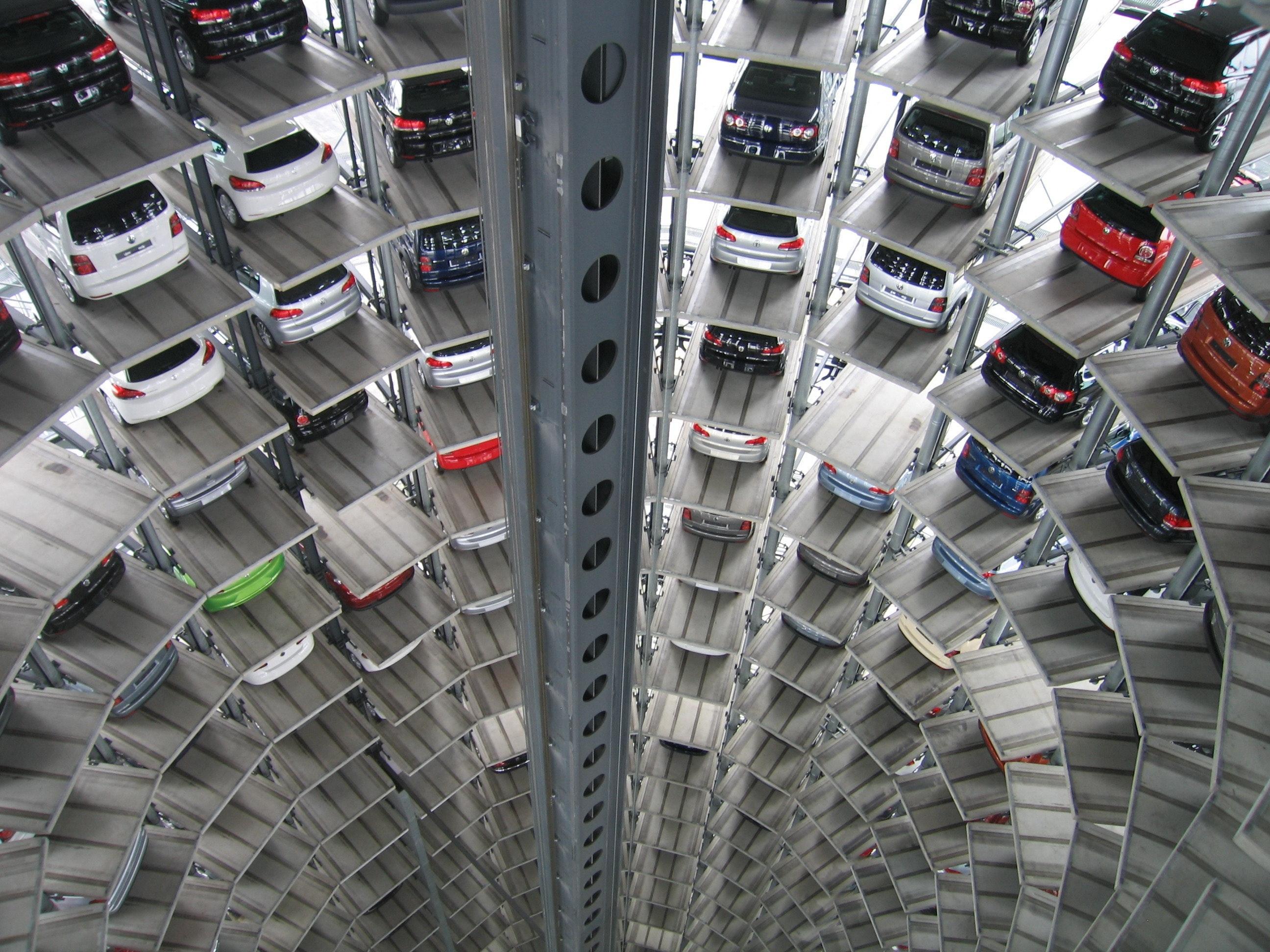 Europos Sąjungoje naujų automobilių pardavimai sumažėjo 19 proc.