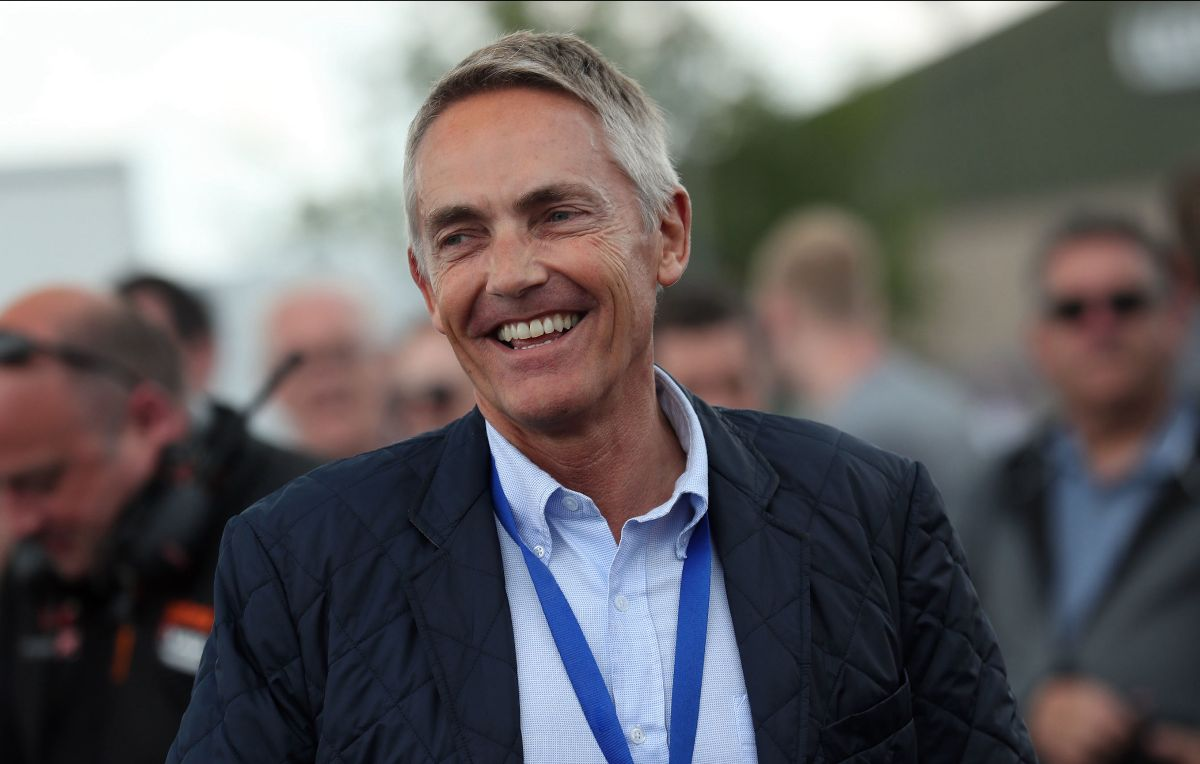 "M. Whitmarshas dirbs ""Aston Martin"""